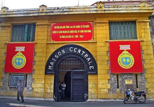 Nhà tù Hỏa Lò trở thành địa điểm du lịch gần Hà Nội