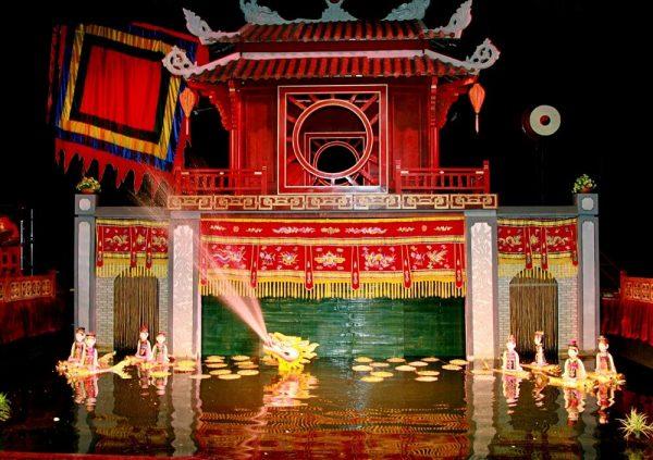 Tham quan nhà hát rối nước