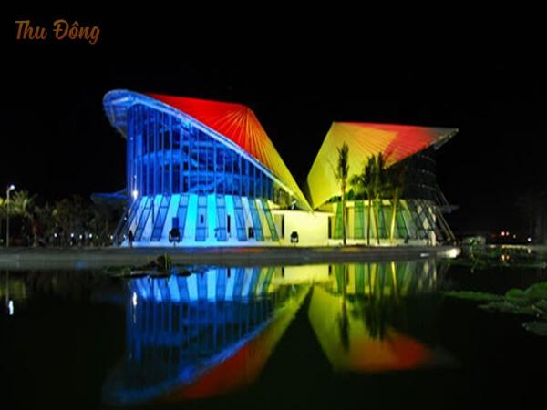Hình ảnh nhà hát Cao Văn Lầu