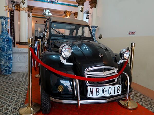 xe cổ mắc tiền nhà công tử Bạc Liêu