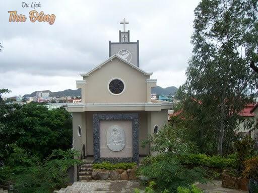 Nhà thờ đá Ghềnh Ráng