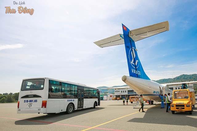 Đi xe Bus của cảng Hàng không