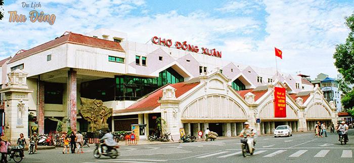 Chợ Đồng Xuân là địa điểm vui chơi độc đáo dịp cuối tuần tại Hà Nội