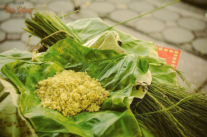 Cốm - thức quà của lúa non được chế biến tỉ mỉ, công phu