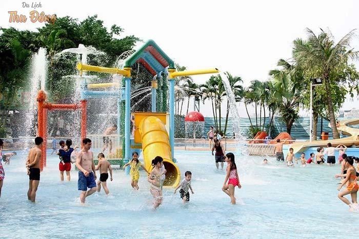 Các trò chơi dưới nước giúp rèn luyện cơ bắp, tăng khả năng vận động
