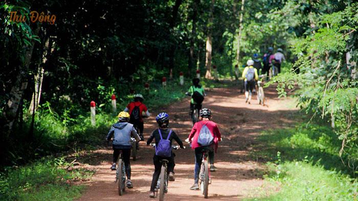 Hoạt động trải nghiệm đạp xe quanh vườn quốc gia Ba Vì