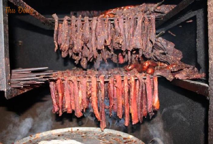 Thịt trâu hun khói