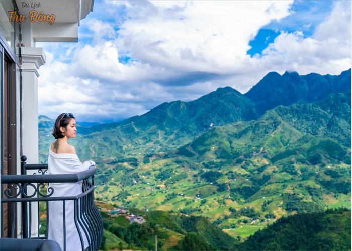 Khách sạn Sapa Relax & Spa có tầm nhìn hướng ra núi rất hùng vĩ