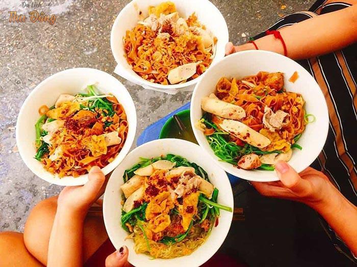 Thánh đường ăn uống độc đáo tại phố đi bộ Hà Nội