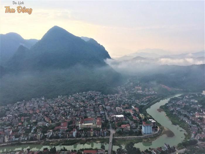 Núi Cấm ở sát ngay trung tâm Hà Giang