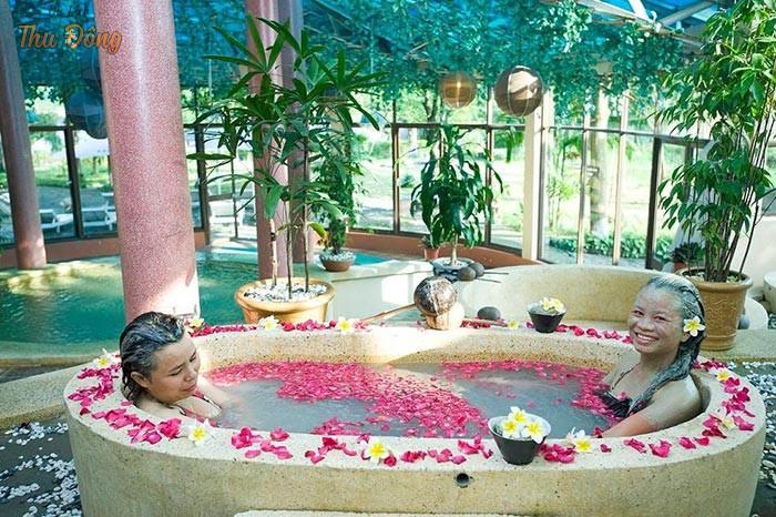 Dịch vụ tắm bùn tại resort gần Hà Nội